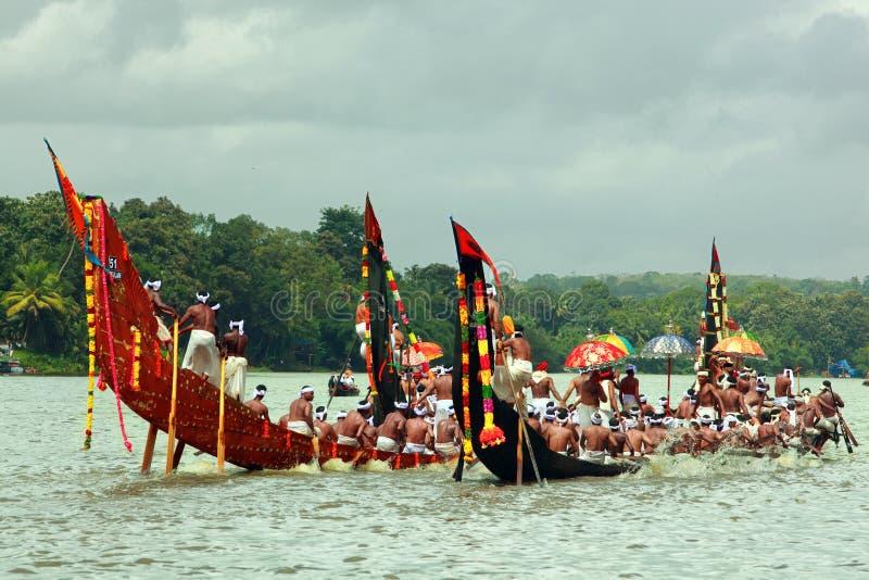 Raças de barco da serpente de Kerala imagens de stock royalty free