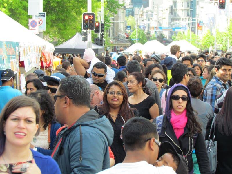 Raças diferentes em uma multidão foto de stock royalty free