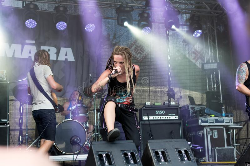 Ra expressif Lisenko de  du chanteur MÄ de Ra letton de  de la bande métallique MÄ photo libre de droits