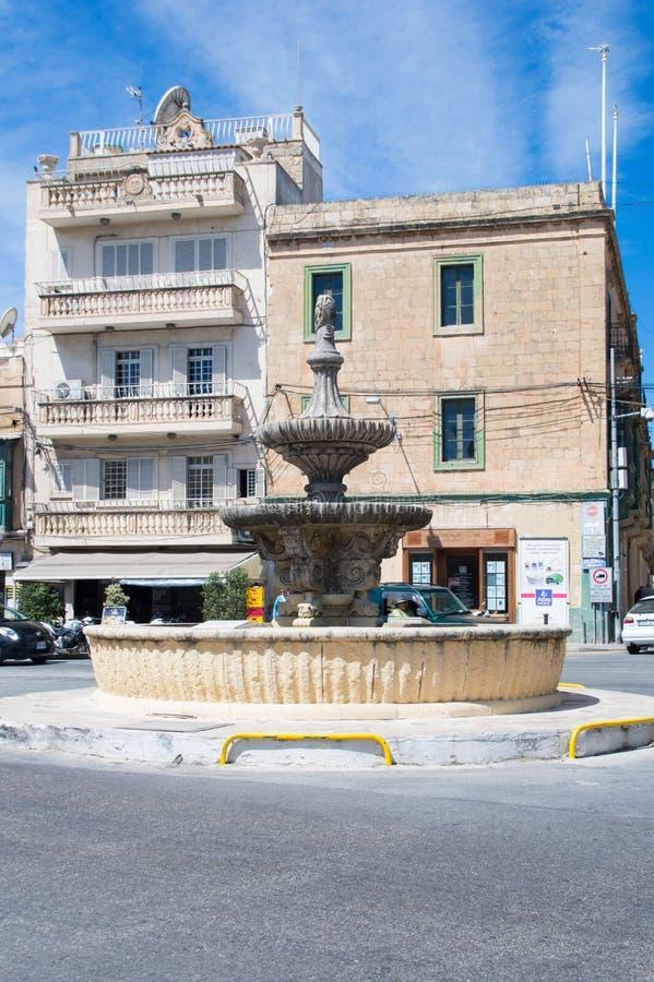 Rabat, Malta - 8 de maio de 2017: Fonte em St Francis Square na ilha de Gozo em Malta imagem de stock