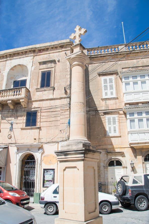 Rabat Malta, Maj, - 8, 2017: Przecinający pobliski St Francis kwadrat przy Gozo wyspą w Malta zdjęcie stock
