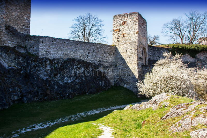 Rabi-Schloss, Tschechische Republik lizenzfreie stockbilder