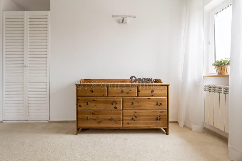 Raboteuse élégante parfaite pour une chambre à coucher photographie stock