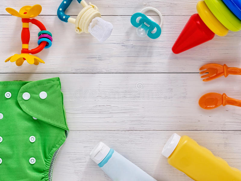 Raccolta degli oggetti per i bambini con lo spazio della copia fotografia stock