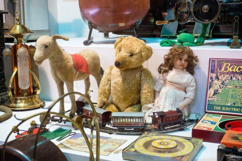 Raccolta dei giocattoli antichi immagine stock libera da diritti