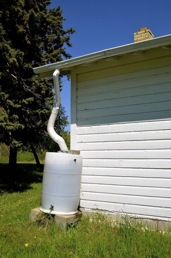 Raccolta dell'acqua che raccoglie acqua fotografia stock libera da diritti