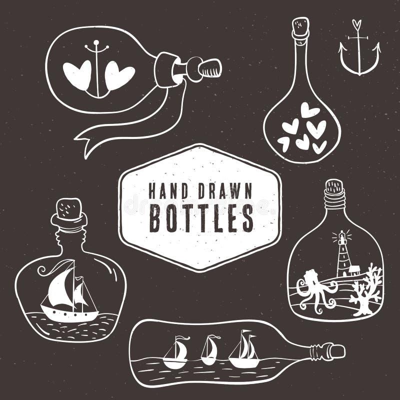 Raccolta di bottiglia d'annata nello stile nautico Disegnato a mano illustrazione di stock