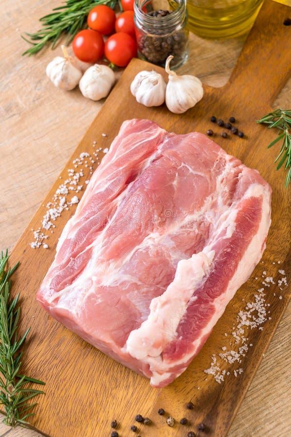 raccordo crudo della carne di maiale fresca immagini stock libere da diritti