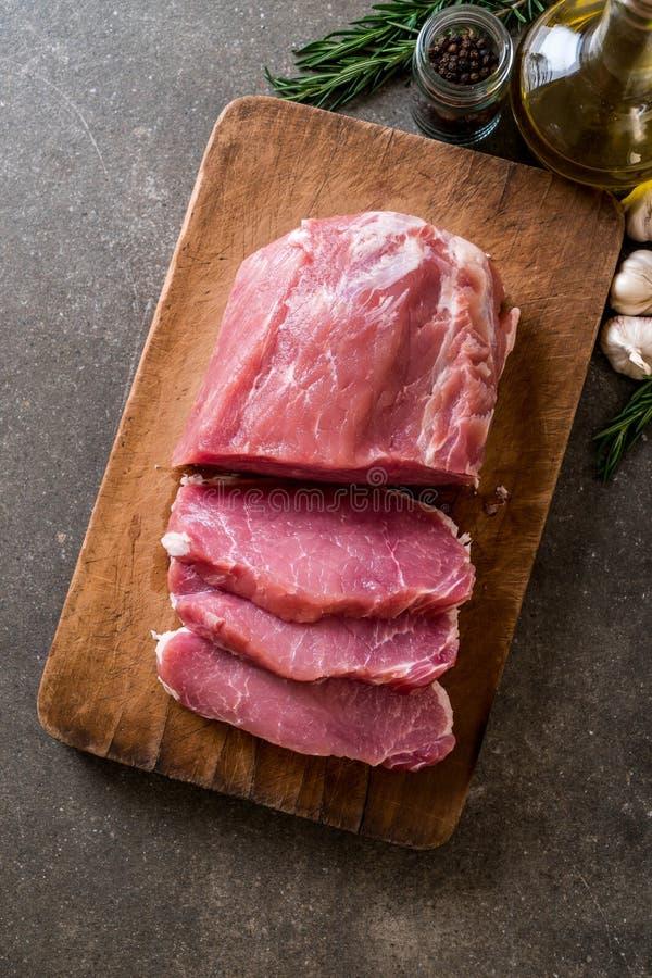 raccordo crudo della carne di maiale fresca immagini stock