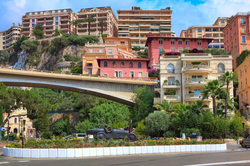 Raceautobeeldhouwwerk in het centrum van Monte Carlo. royalty-vrije stock fotografie
