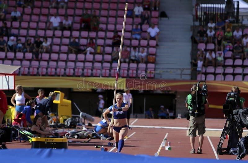 RACHEL BAXTER USA auf dem Stabhochsprungsereignis in der Meisterschaft Tampere, Finnland 10. IAAF-Weltu20 lizenzfreies stockbild