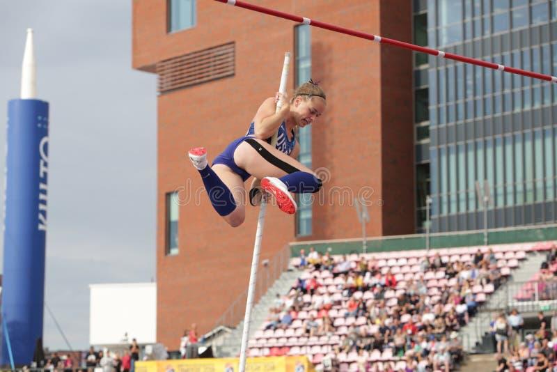 RACHEL BAXTER USA auf dem Stabhochsprungsschluß in der Meisterschaft Tampere, Finnland IAAF-Weltu20 am 12. Juli stockbild