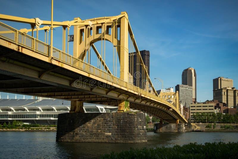 Rachel Carson Bridge e o Pittsburgh do centro imagem de stock