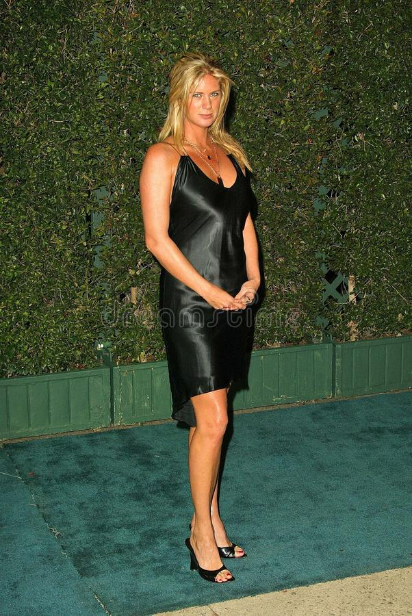 Download Rachel Hunter redaktionell arkivbild. Bild av jägare - 37345967