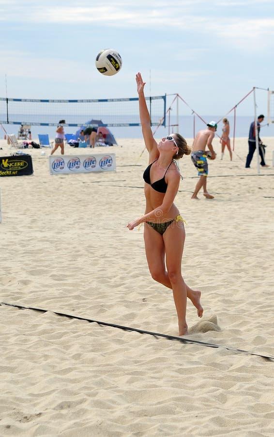 Download Rachel Johnston - Female Beach Volleyball Serve Editorial Stock Image - Image: 19771014