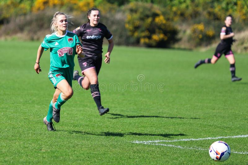 Rachel O Regan pendant le match de ligue national des femmes entre les femmes de Cork City FC et le Wexford Youths image stock