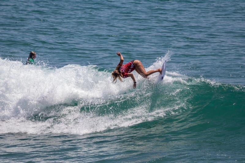 Rachel Presti surfing w samochodów dostawczych us open surfing 2019 obrazy stock