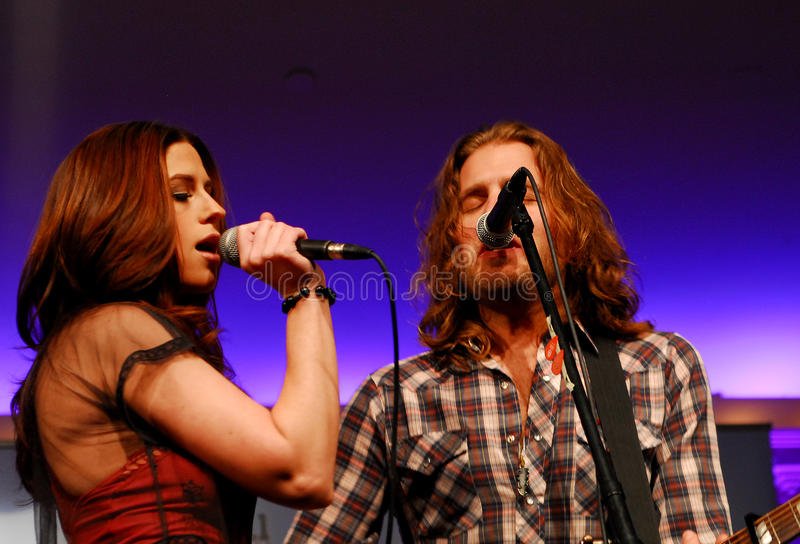 Rachel Reinert e Tom Gossin de Gloriana fotografia de stock royalty free