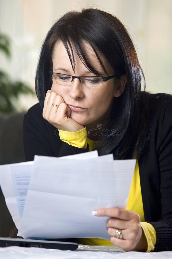 rachunki płacą stresującego obrazy stock