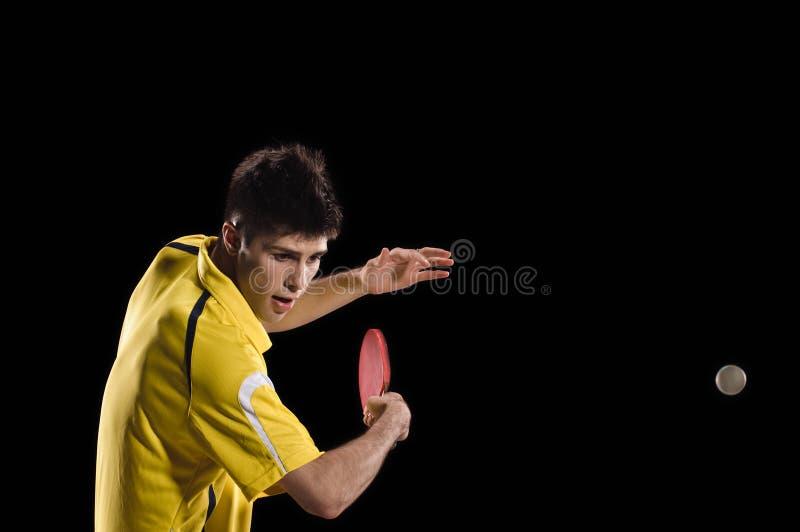 racket en bal die op wit wordt geïsoleerde Jonge mens stock afbeeldingen