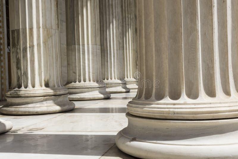 Rad av kolonner i Aten fotografering för bildbyråer
