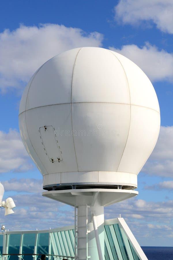 Radar do navio de cruzeiro fotografia de stock