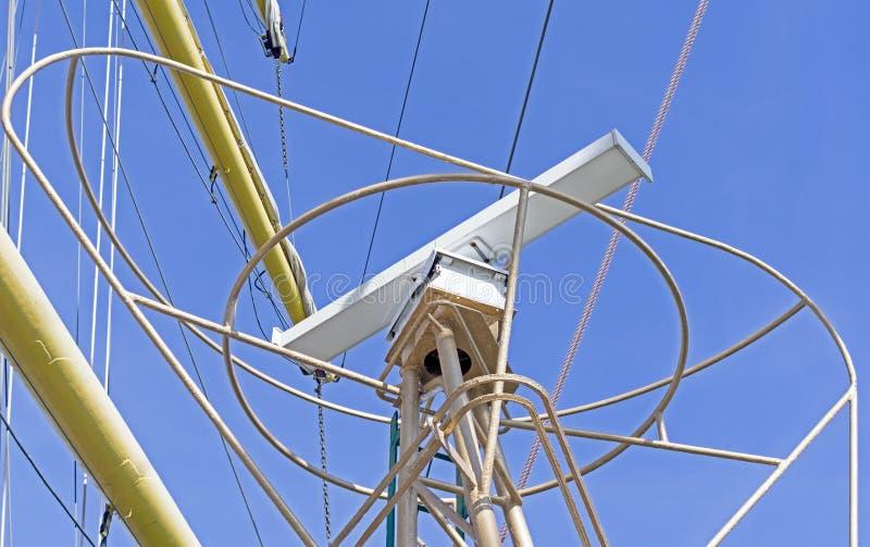 Radar op de mast royalty-vrije stock fotografie