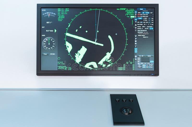 Radarplatte auf einem Boot Seeschifffahrtbrett stockbilder