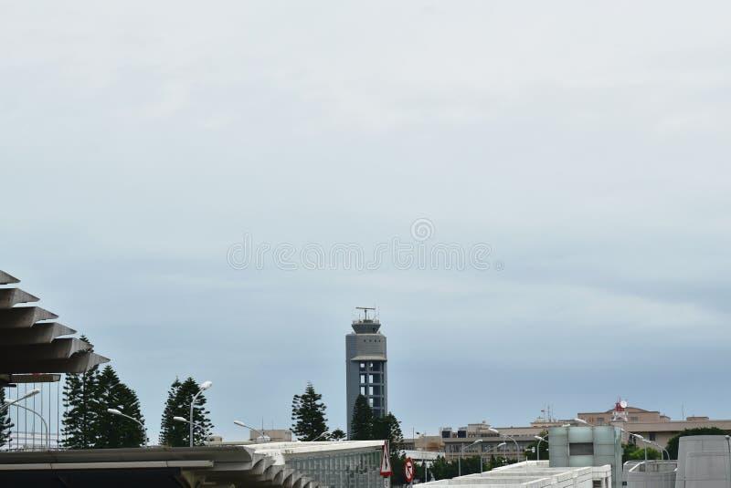 radaru wierza przy Taoyuan lotniska międzynarodowego wierzchołkiem dziesięć duży i najlepszy lotnisko w świacie fotografia stock