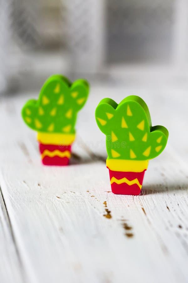 Radergummi i form av en kaktus Allmänt gods royaltyfri fotografi