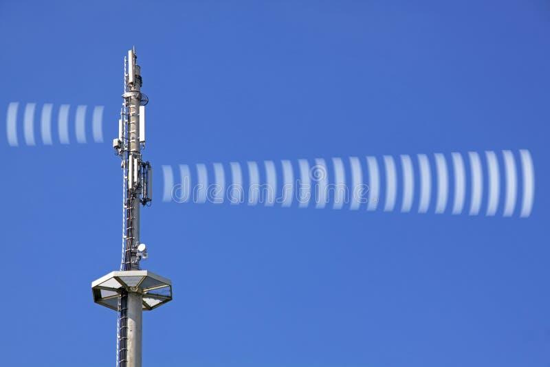 Radiación de la torre de radio imagen de archivo