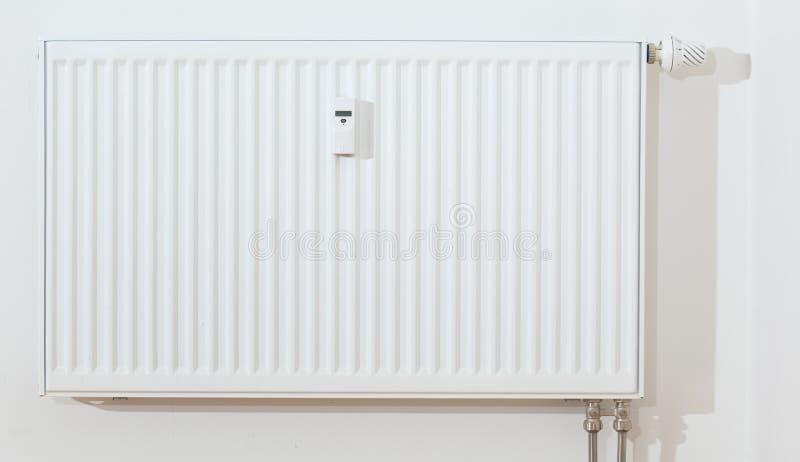 Radiateur blanc moderne photos stock