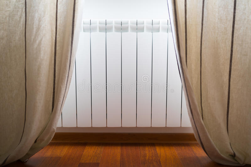 Radiateur chambre top kyriad besancon ecole valentin for Puissance radiateur chambre