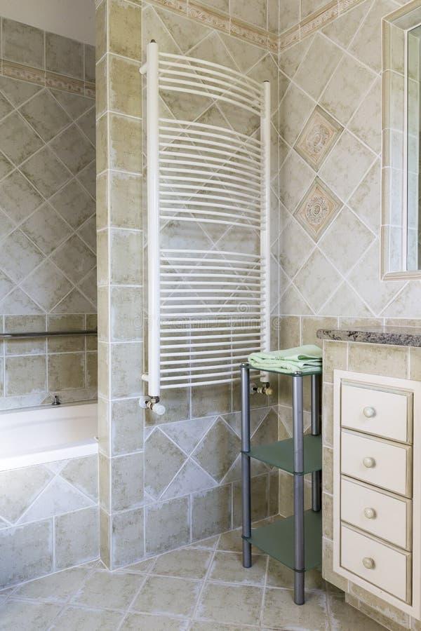 Radiateur de salle de bains image stock