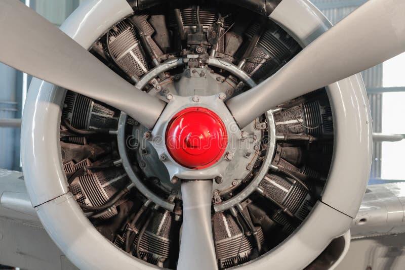 Radiell motor av ett flygplan arkivfoto