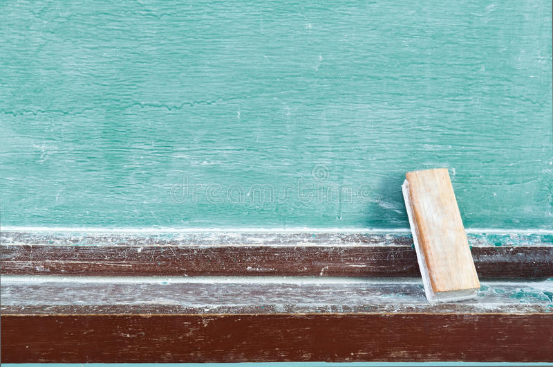 Radiergummi mit Tafel lizenzfreie stockfotografie