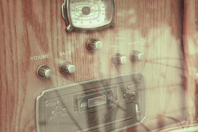Radio en bandspeler royalty-vrije stock afbeelding