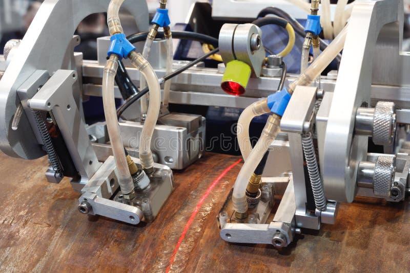 Radiologiczna inspekcja spawający szwy drymby wielkiej średnicy rurociąg na podstawie instalacyjnych kawałków obrazy royalty free