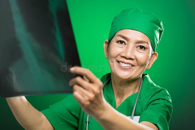 Radiologo Maturo Fotografie Stock Libere da Diritti