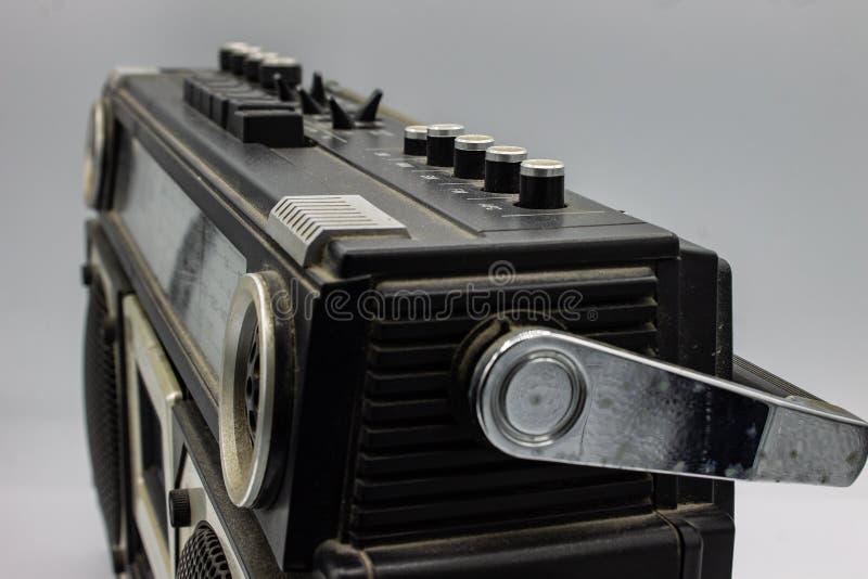 Radiorna var mycket stora och att inneh?lla tv? h?gtalare och en kassettspelare arkivbild