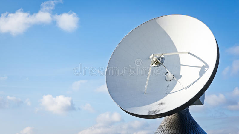 Radiosände teleskop royaltyfri foto