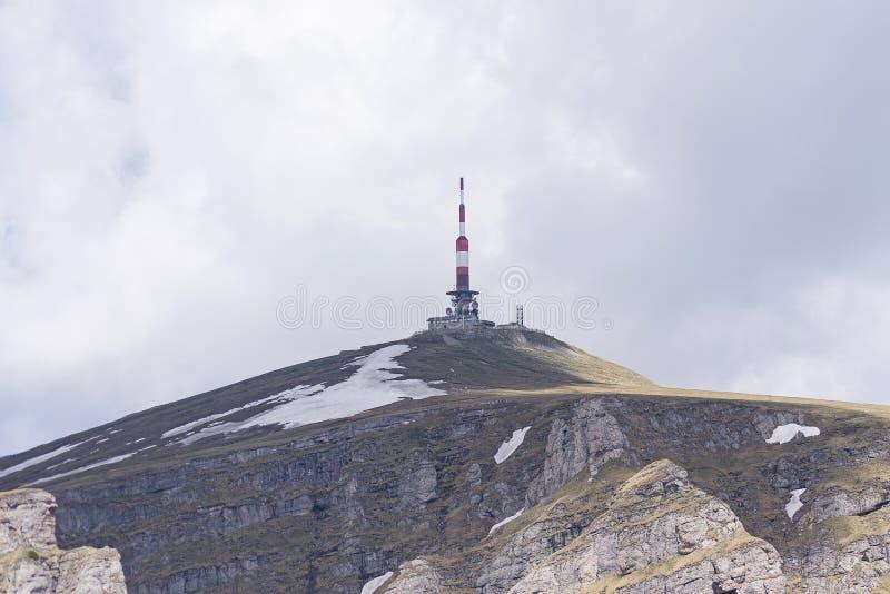 Radiotelekommunikationsrelais auf Costila-Spitze lizenzfreie stockbilder