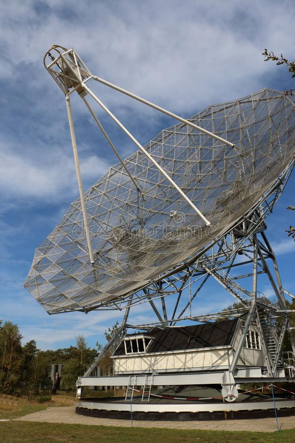 Radioteleskop in den Niederlanden lizenzfreie stockfotos