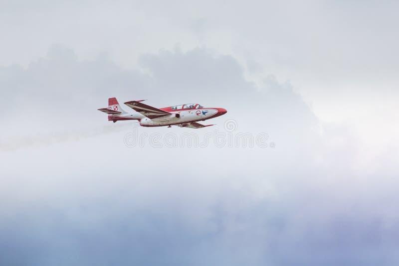 RADOM, POLAND - AUGUST 23: Bialo-Czerwone Iskry (Poland) aeroba. Tic team during Air Show Radom on August 23, 2015 royalty free stock photos