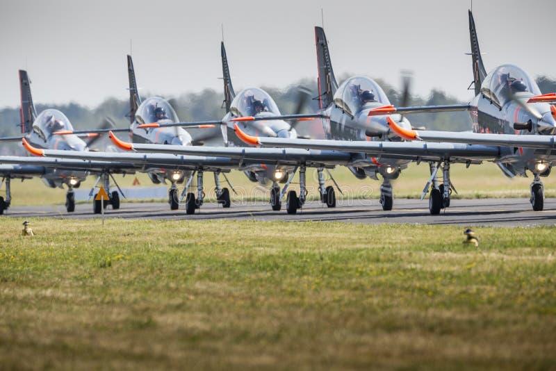 RADOM, POLEN - AUGUSTUS 23: Van de Orlik (Polen) het aerobatic vertoning team royalty-vrije stock afbeeldingen