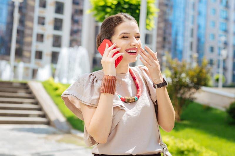 Radosny zadowolony kobiety śmiać się zdjęcia royalty free