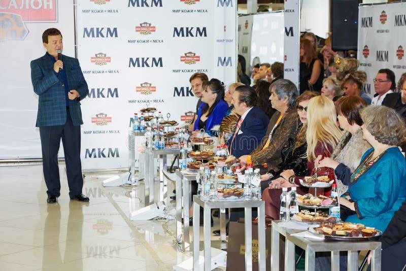 Radziecki i rosyjski piosenkarz Iosif Kobzon wykonuje zdjęcie royalty free