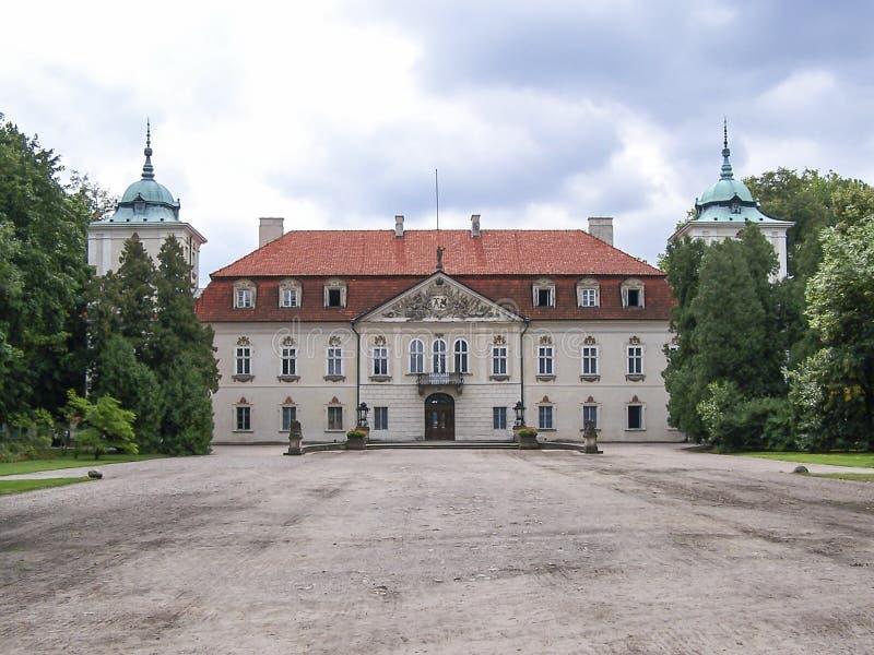 Radziwill slott i Nieborow, Polen fotografering för bildbyråer