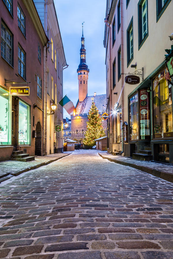 Raekoja plats, cidade velha Hall Square em Tallinn fotografia de stock