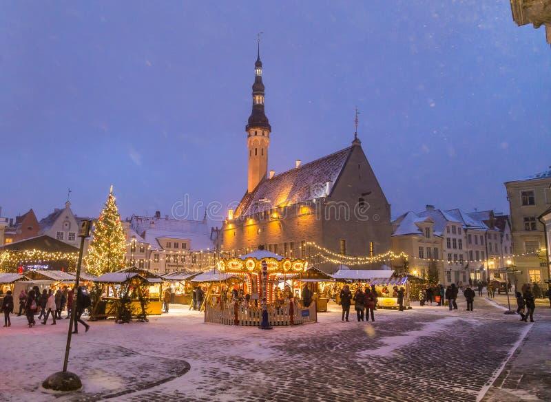 Raekoja plats, den gamla staden Hall Square i Tallinn arkivfoto
